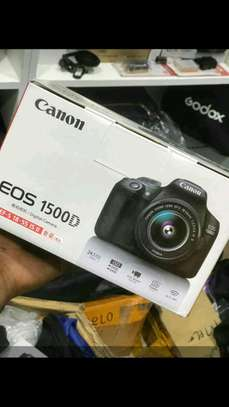 Canon 1500d with 18-55mm lens