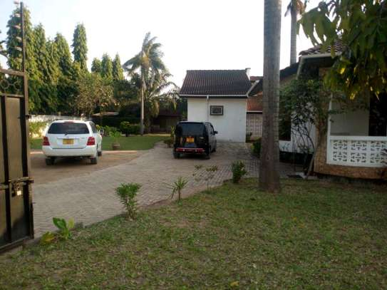 4bedroom house in Mikocheni A' to let $1200. image 2