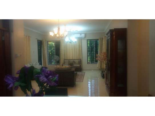 1 Bdrm  Executive villa in the compound at oyster bay $1800pm image 13