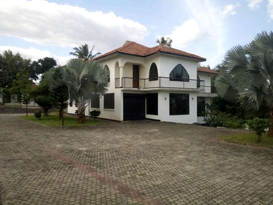 5 bedroom house in Goba close to Goba road. image 9