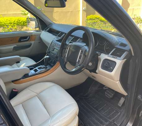 2008 Rover image 2