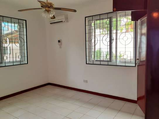 Well Maintained 3 Bedroom Standalone House In Masaki image 7