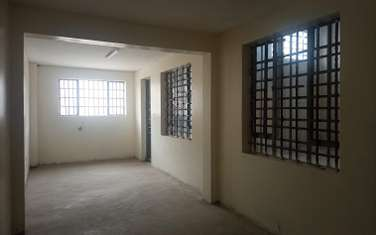 4500 ft² warehouse for rent in Industrial Area