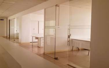 321 m² office for rent in Brookside