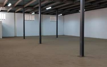 1162 m² warehouse for rent in Ruaraka