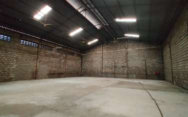 790 m² warehouse for rent in Industrial Area
