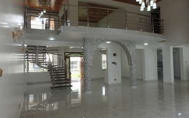 6 bedroom villa for rent in Karen