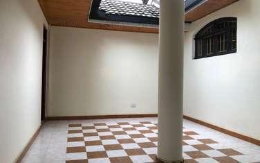 8 bedroom house for rent in Gigiri