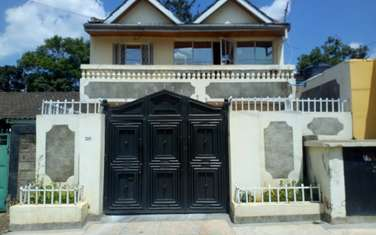 6 bedroom townhouse for sale in Koma Rock