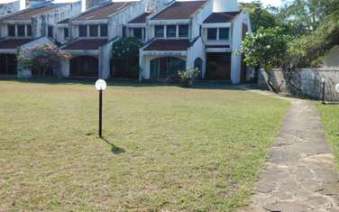 5 bedroom villa for sale in Nyali Area