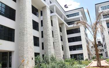 557 m² office for rent in Riverside