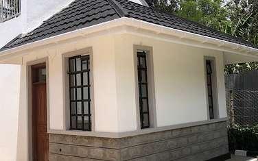 2000 m² bedsitter for rent in Karen