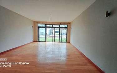 5 bedroom villa for sale in Spring Valley