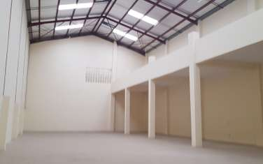 10000 ft² warehouse for rent in Syokimau
