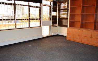 1250 ft² office for rent in Parklands