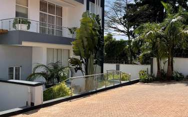 Furnished 5 bedroom townhouse for sale in Kyuna