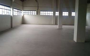 214 m² warehouse for rent in Ngara