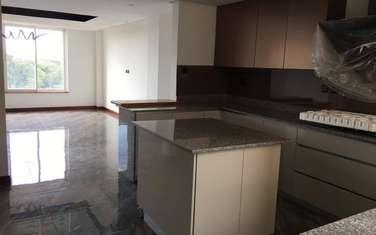 4 bedroom apartment for rent in General Mathenge