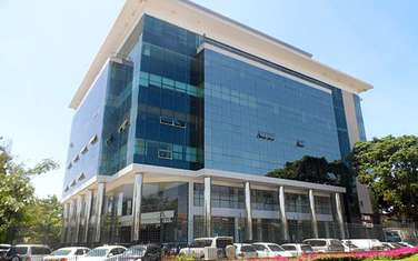 4500 ft² office for rent in Parklands