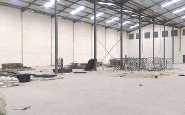 601 m² warehouse for rent in Industrial Area