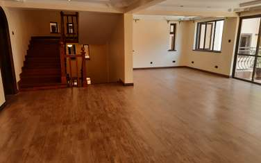 5 bedroom townhouse for rent in Lavington