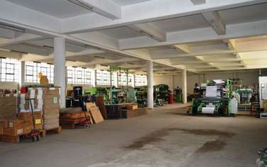 14000 ft² warehouse for rent in Industrial Area