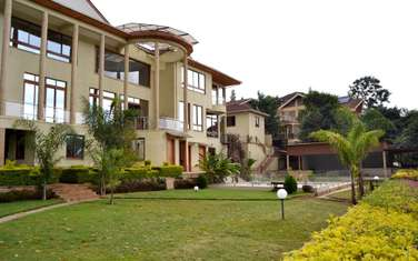 Furnished 8 bedroom townhouse for rent in Nyari