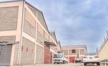 5300 ft² warehouse for rent in Industrial Area