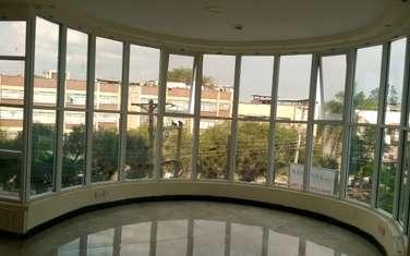 1350 m² office for rent in Parklands