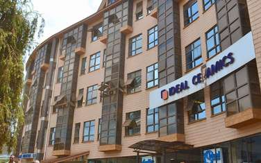 162 m² office for rent in Westlands Area