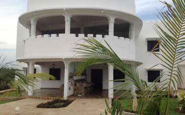 Furnished 8 bedroom apartment for sale in Watamu