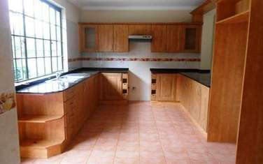 5 bedroom townhouse for rent in Riara Road