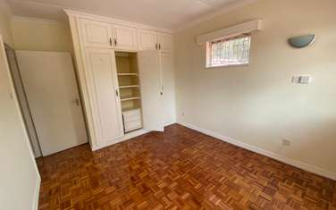 3 bedroom villa for rent in Runda
