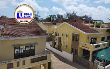 4 bedroom house for sale in kizingo