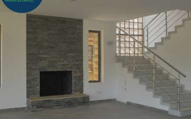 4 bedroom villa for sale in Red Hill