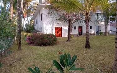 5 bedroom villa for sale in Shella