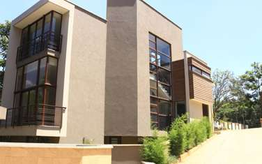 4 bedroom house for sale in Lavington
