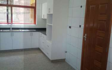 5 bedroom townhouse for sale in Ruaka