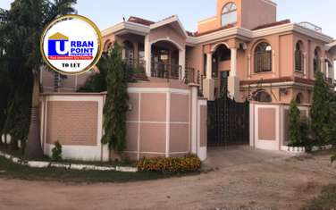 5 bedroom house for rent in Nyali Area