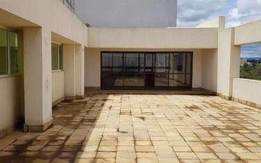 510 m² commercial property for rent in Parklands