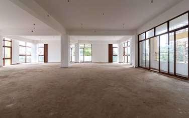 4000 ft² office for rent in Karen