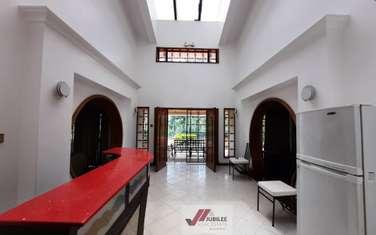 Furnished 6 bedroom house for sale in Kyuna