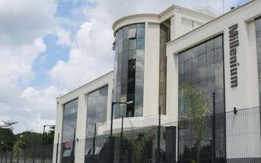 1000 ft² office for rent in Karen