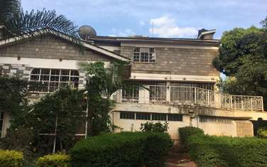 5000 ft² commercial property for rent in Kilimani