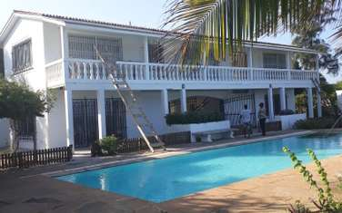 5 bedroom townhouse for sale in Bofa