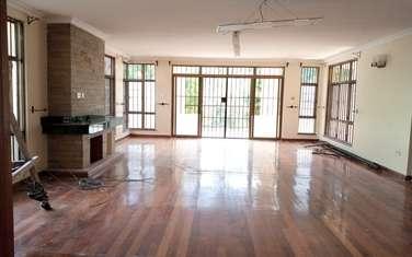6 bedroom townhouse for rent in Kitisuru