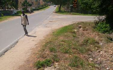 1040 m² commercial land for sale in Nyali Area