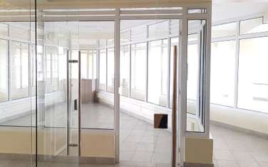 31 m² office for rent in Parklands