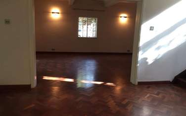 4 bedroom house for rent in Old Muthaiga