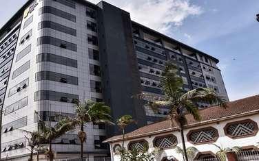 205 m² office for rent in Parklands